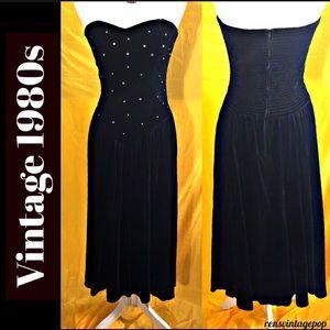 Vntg Holiday Velvet V Bodice dress w rhinestones
